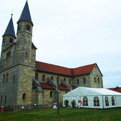 Hochzeitsfeier mit 100m² Zelt